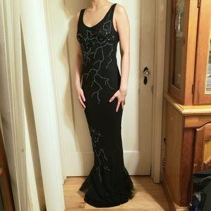 NWOT 100% silk beaded black sleeveless prom gown 6